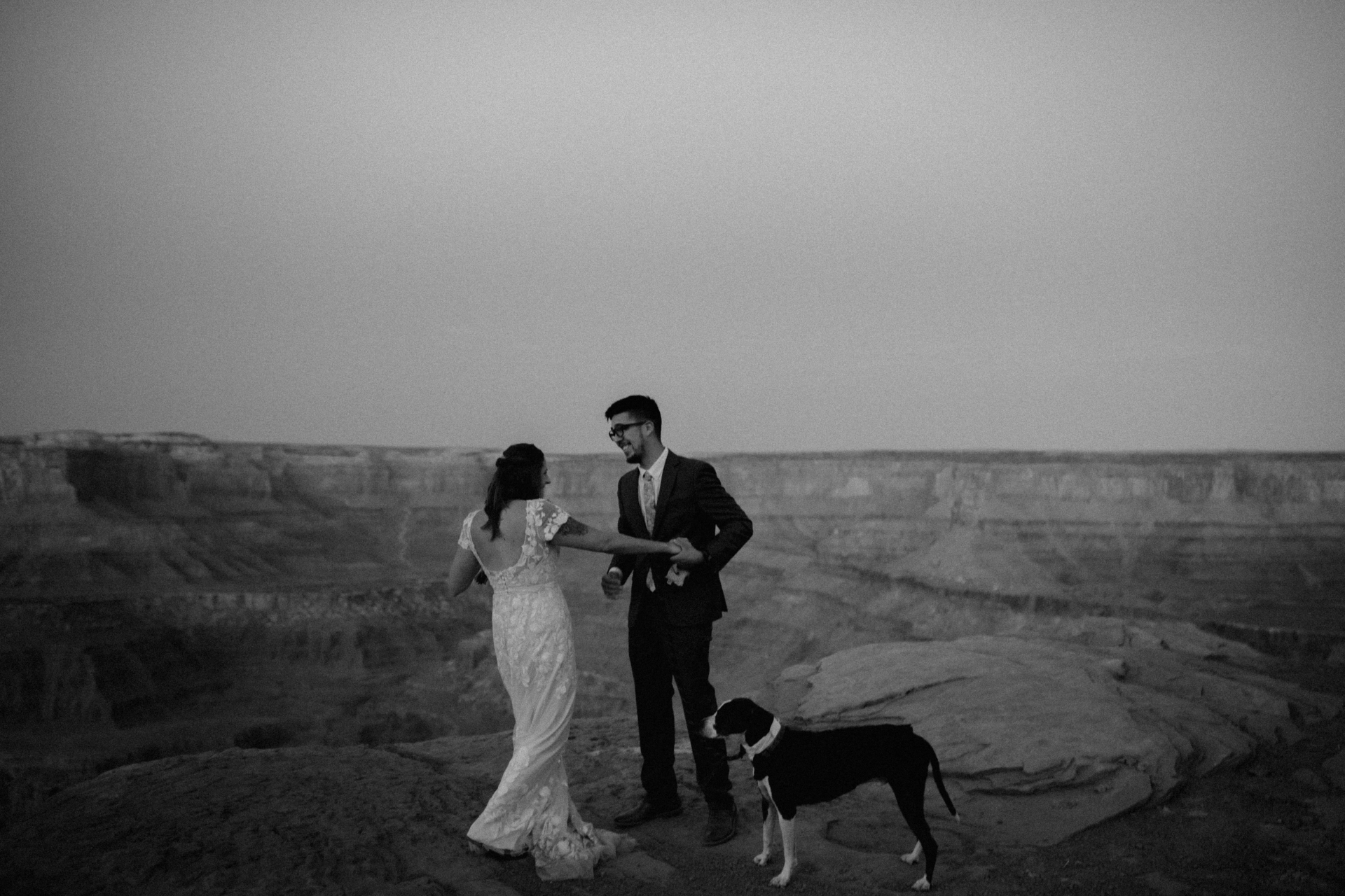AB1A7343utah-wedding-desert-roadtrip-elopementphotographer-whiskeysage